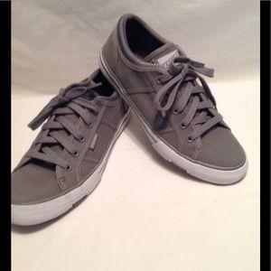 Skechers Utopia Get Low gray canvas sneaker LNC